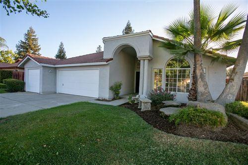 Photo of 8450 N Hayston Avenue, Fresno, CA 93720 (MLS # 566782)