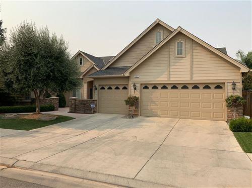 Photo of 527 W Powers Avenue, Clovis, CA 93619 (MLS # 546787)