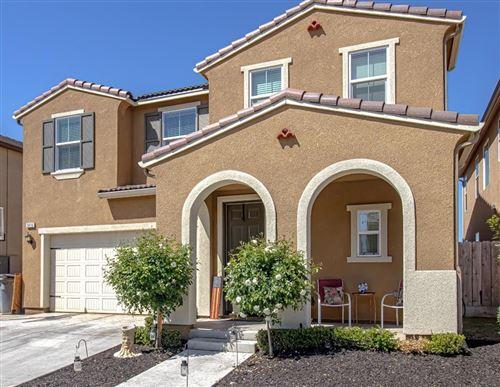 Photo of 3416 Amanecer Avenue, Clovis, CA 93619 (MLS # 557803)
