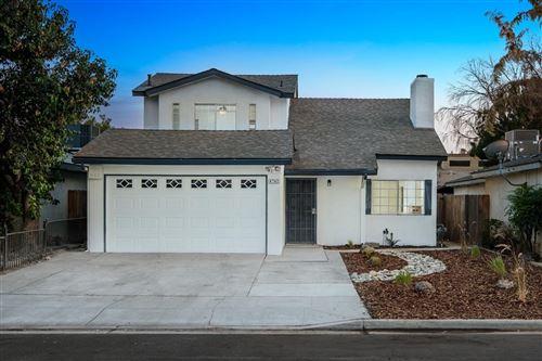 Photo of 4247 W Princeton Avenue, Fresno, CA 93722 (MLS # 566805)