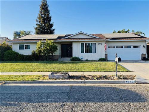 Photo of 1620 W Palo Alto Avenue, Fresno, CA 93711 (MLS # 557810)