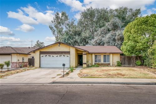 Photo of 443 Brehler Avenue, Sanger, CA 93657 (MLS # 566815)