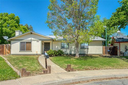 Photo of 860 S Coalinga Street, Coalinga, CA 93210 (MLS # 557830)