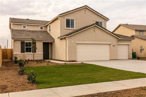 Photo of 403 Karen Avenue, Kerman, CA 93630 (MLS # 557837)