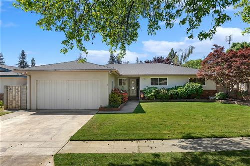 Photo of 725 E Escalon Avenue, Fresno, CA 93710 (MLS # 557845)