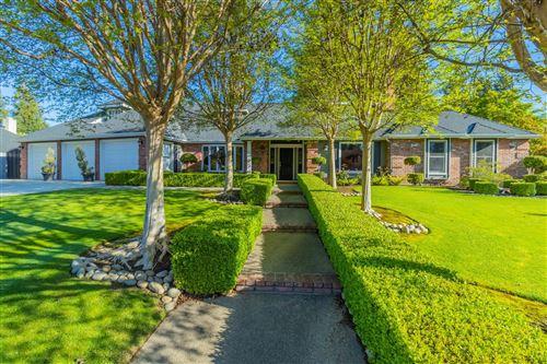 Photo of 456 E Balfour Avenue, Fresno, CA 93720 (MLS # 556846)