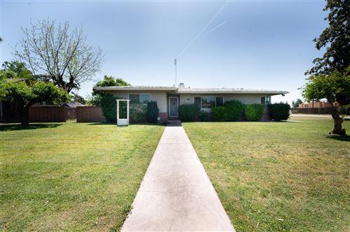 Photo of 5446 E Mono Street, Fresno, CA 93727 (MLS # 557848)