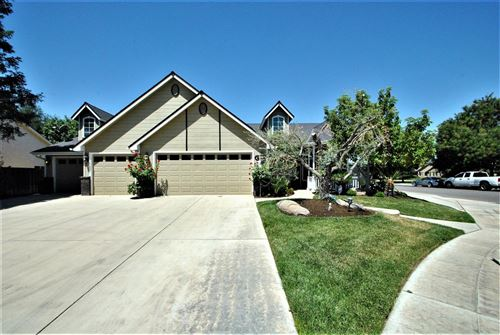 Photo of 1792 N Dewitt Avenue, Clovis, CA 93619 (MLS # 560850)