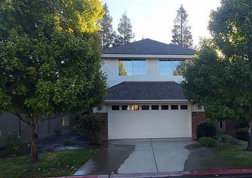 Photo of 6624 N Seedlescombe Drive, Fresno, CA 93711 (MLS # 567869)