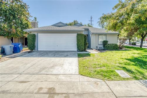 Photo of 3579 W Terrace Avenue, Fresno, CA 93722 (MLS # 567870)