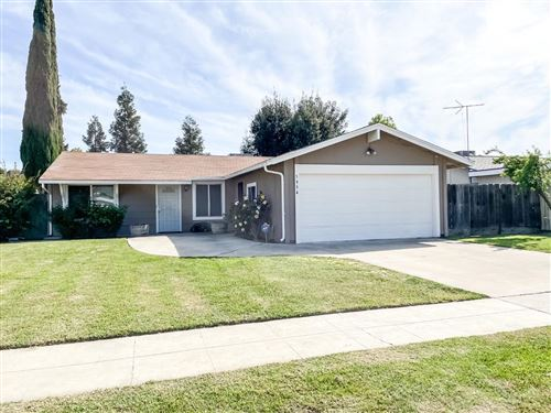 Photo of 5954 E Ramona Avenue, Fresno, CA 93727 (MLS # 557871)