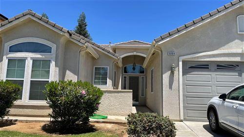 Photo of 5804 W Chennault Avenue, Fresno, CA 93722 (MLS # 560884)