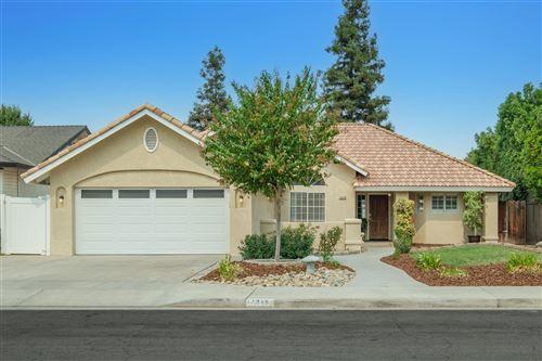 Photo of 1216 E Kenosha Avenue, Fresno, CA 93720 (MLS # 566887)