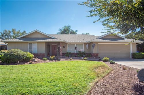 Photo of 695 E Ann Drive, Reedley, CA 93654 (MLS # 548909)