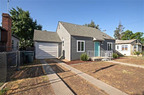 Photo of 1120 E La Sierra Drive, Fresno, CA 93728 (MLS # 543914)
