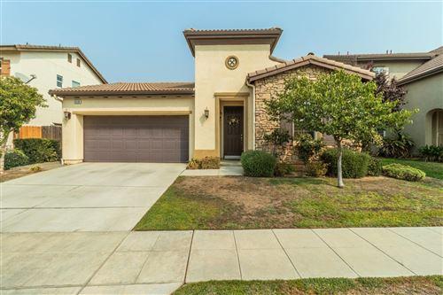 Photo of 10598 N Whitney Avenue, Fresno, CA 93730 (MLS # 566916)