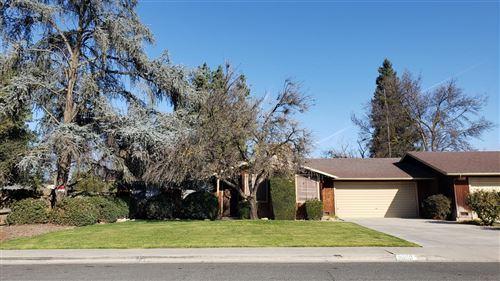 Photo of 2000 E Vassar Avenue, Visalia, CA 93292 (MLS # 538918)