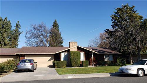 Photo of 2006 E Vassar Avenue, Visalia, CA 93292 (MLS # 538920)