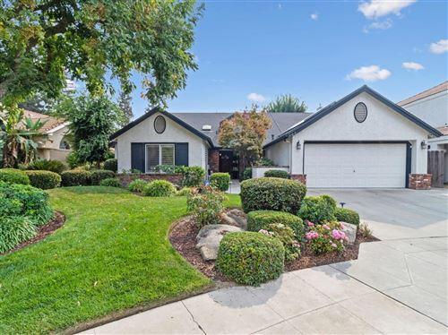 Photo of 783 E Wood Duck Circle, Fresno, CA 93703 (MLS # 548931)
