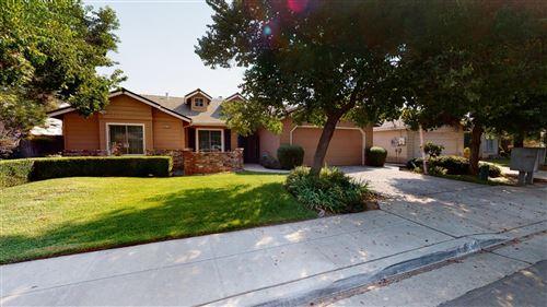 Photo of 6146 N Tracy Avenue, Fresno, CA 93722 (MLS # 548932)