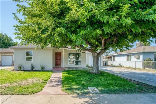 Photo of 3817 Maywood Drive, Fresno, CA 93703 (MLS # 558936)
