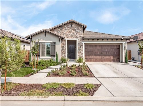 Photo of 2824 N Burl, Fresno, CA 93727 (MLS # 548940)