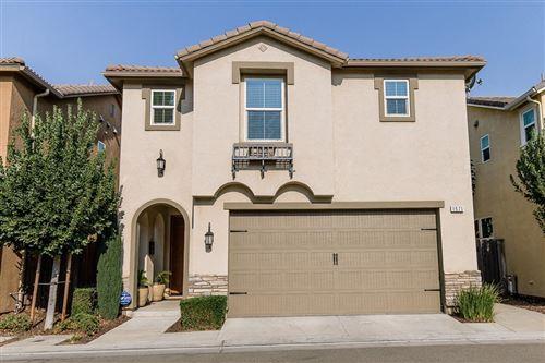 Photo of 1571 N Strada Way, Clovis, CA 93619 (MLS # 546947)