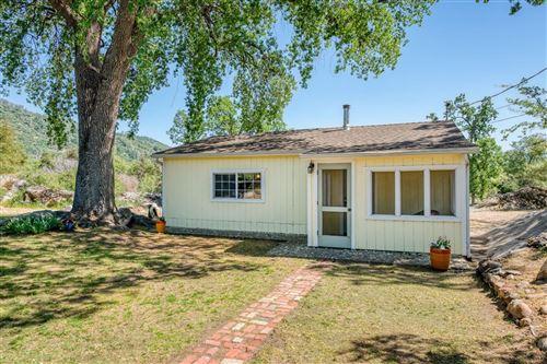 Photo of 41615 River Falls Road, Oakhurst, CA 93644 (MLS # 558986)