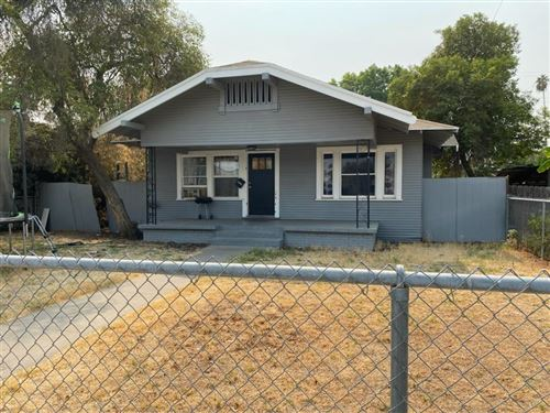 Photo of 3828 E Verrue Avenue, Fresno, CA 93702 (MLS # 566997)
