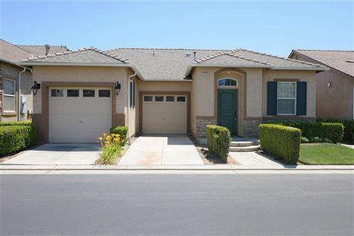 Photo of 5359 W King Fisher Lane, Fresno, CA 93722 (MLS # 560999)