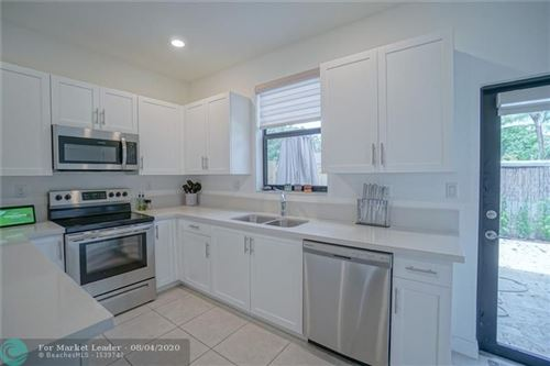 Photo of Listing MLS f10242008 in 2817 SW 17th Avenue Fort Lauderdale FL 33315