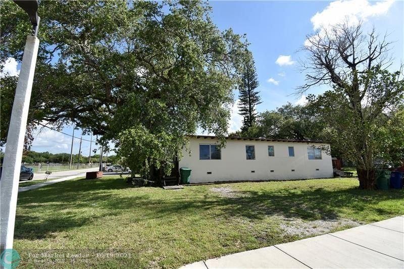 Photo of 6151 SW 35th St, Miramar, FL 33023 (MLS # F10305012)