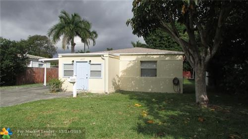 Foto de inmueble con direccion 1407 Funston St Hollywood FL 33020 con MLS H10784015