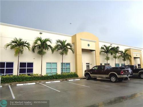 Foto de inmueble con direccion 10392 W State Road 84 #111 Davie FL 33324 con MLS F10218022