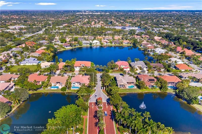 Photo of 10100 NW 7th St, Plantation, FL 33324 (MLS # F10304030)