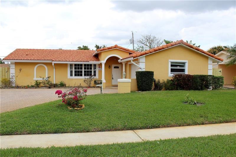 629 Clear Lake Ave, West Palm Beach, FL 33401 - #: F10272033