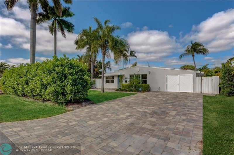 Photo for 1621 NE 17th Way, Fort Lauderdale, FL 33305 (MLS # F10224036)