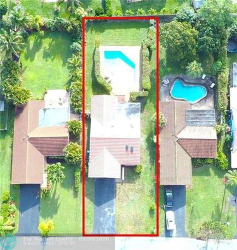 Foto de inmueble con direccion 877 NW 87th Ave Coral Springs FL 33071 con MLS F10219042