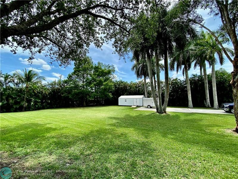 Photo of 17150 SW 59th St, Southwest Ranches, FL 33331 (MLS # F10231047)