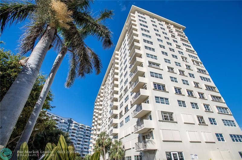 Photo of 340 Sunset Dr #308, Fort Lauderdale, FL 33301 (MLS # F10284053)