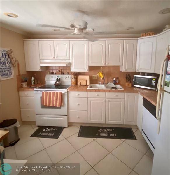3505 Oaks Way #208, Pompano Beach, FL 33069 - #: F10292059