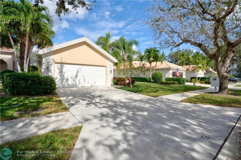 Photo of 4781 Temple Dr, Delray Beach, FL 33445 (MLS # F10261073)