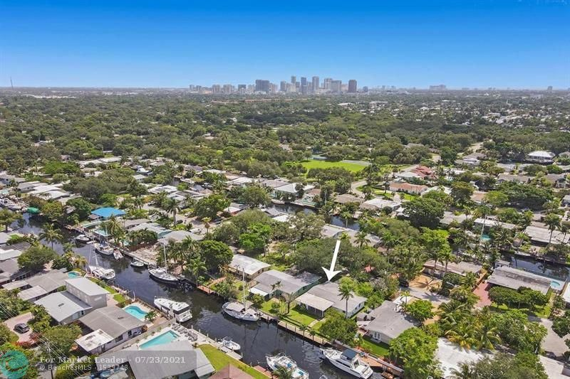 Photo of 1519 SW 18th Ter, Fort Lauderdale, FL 33312 (MLS # F10294077)