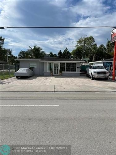 Photo of 816 SW 24th St, Fort Lauderdale, FL 33315 (MLS # F10304080)