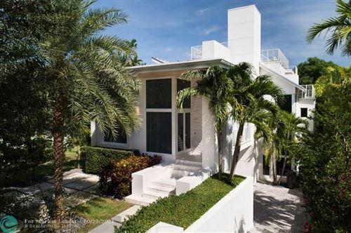 Photo of 1020 SE 13th Ter, Fort Lauderdale, FL 33316 (MLS # F10306084)