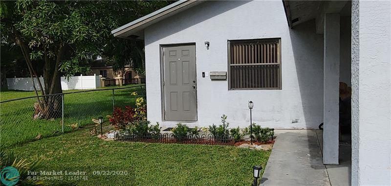 Photo of 521 NW 8th Ave, Pompano Beach, FL 33060 (MLS # F10250086)