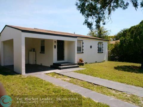 Photo of Listing MLS f10220097 in 235 Silver Beach Rd Lake Park FL 33403