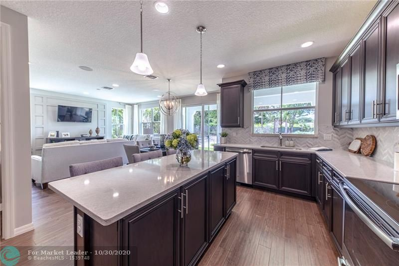 Photo of 12853 Trevi Isle Dr #17, Palm Beach Gardens, FL 33418 (MLS # F10252097)