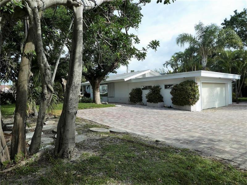 Photo of 2711 Mayan Drive, Fort Lauderdale, FL 33316 (MLS # F10280099)