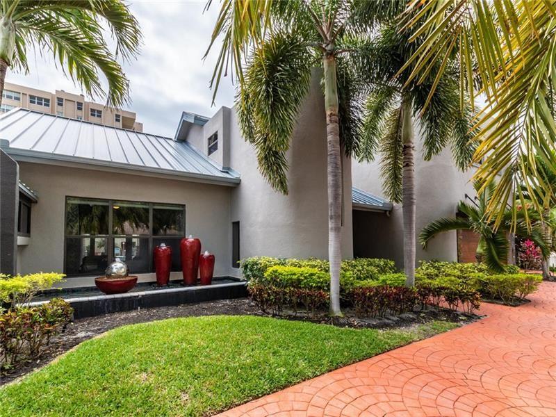 Photo of 2850 NE 35th St, Fort Lauderdale, FL 33306 (MLS # F10278101)